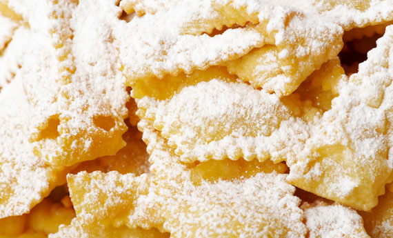 Chiacchiere frappe o bugie