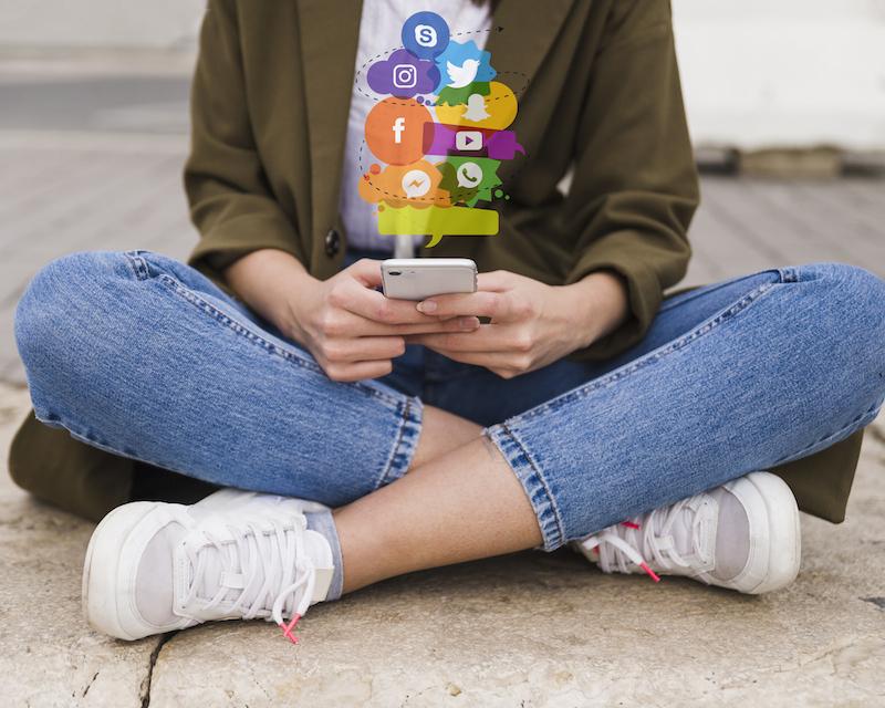 Stalkerizzare-sui-social