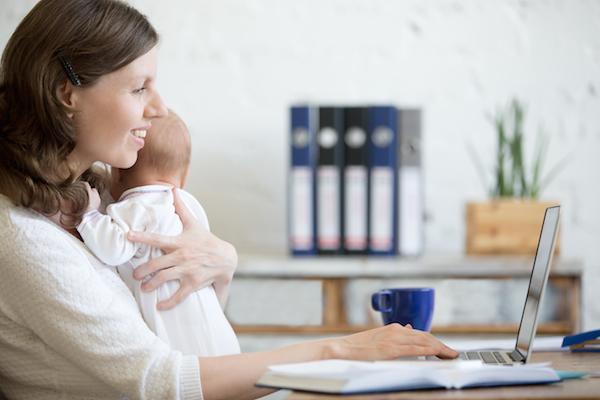 Le-mamme-multitasking